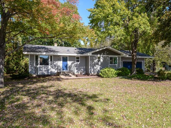 727 Tanglewood Dr, Shoreview, MN 55126