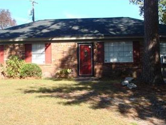 10 Culverton Ct, Savannah, GA 31406