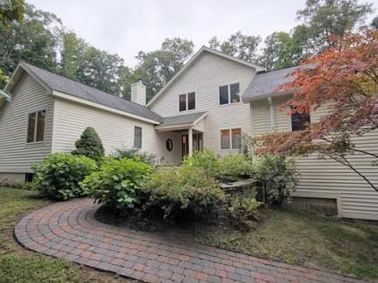 36 Appledore Ln, North Andover, MA 01845