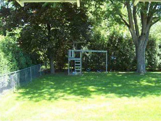 331 N Francis St, Cedar Falls, IA 50613