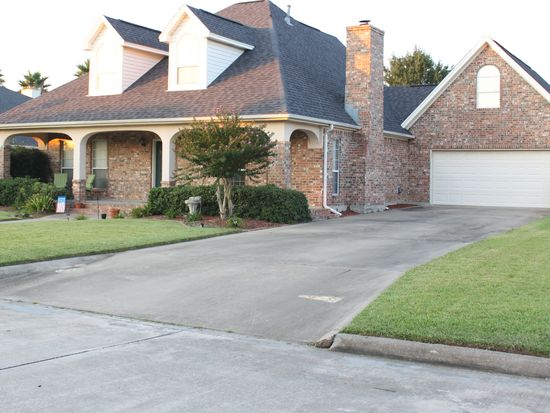 315 Hunter Ridge Ln, Nederland, TX 77627