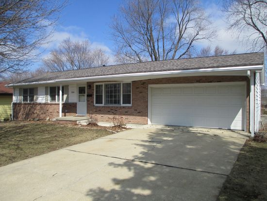 1204 Russell St, Normal, IL 61761