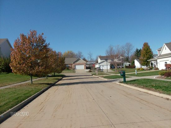 3897 Royal Oak Dr, Brunswick, OH 44212