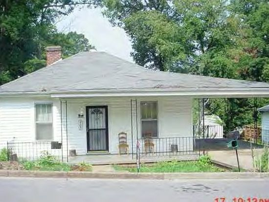207 Stuart St, Martinsville, VA 24112