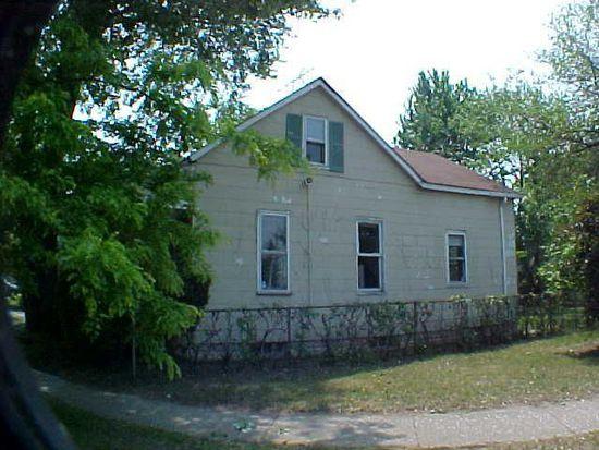 4935 Opal St, Grosse Pointe Farms, MI 48236
