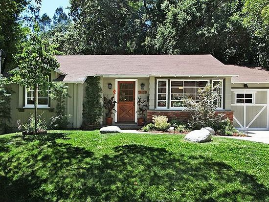 21458 Providencia St, Woodland Hills, CA 91364