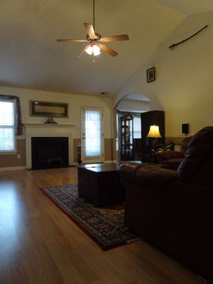 2500 Forest Lodge Dr, Fayetteville, NC 28306