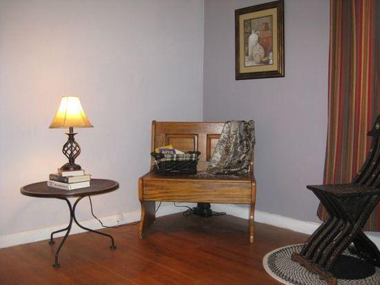 1703 W Lakeview Dr, Johnson City, TN 37601