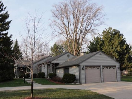 670 S Sunny Slope Rd, Brookfield, WI 53005
