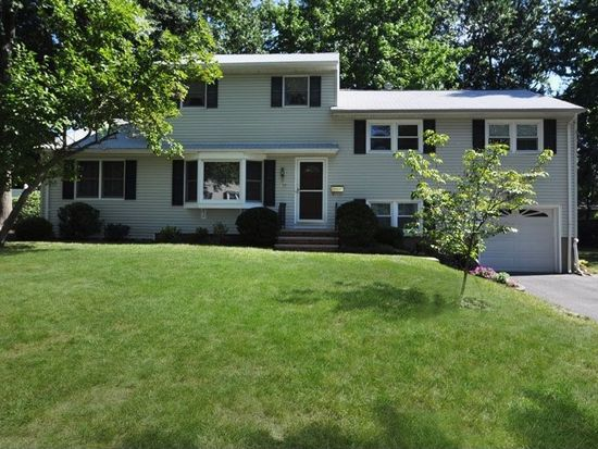 1277 Woodside Rd, Scotch Plains, NJ 07076