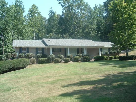 102 W Franks Rd, Booneville, MS 38829