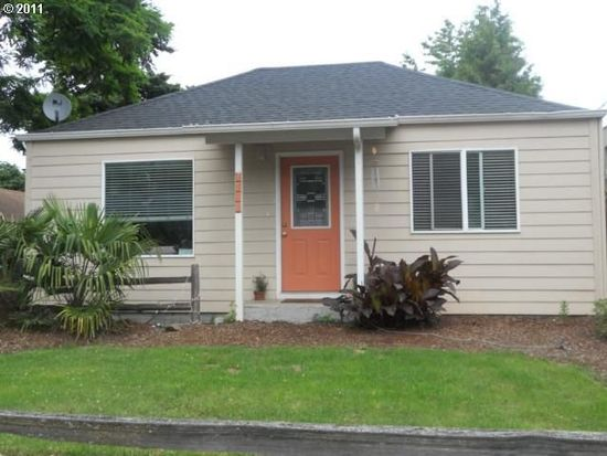 2711 SE Chestnut St, Milwaukie, OR 97267