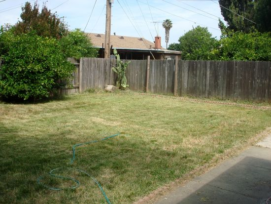 2745 Northglen St, Sacramento, CA 95833