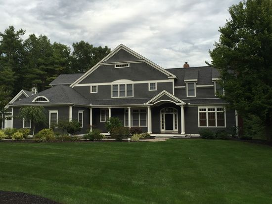 72 Rolling Woods Dr, Bedford, NH 03110