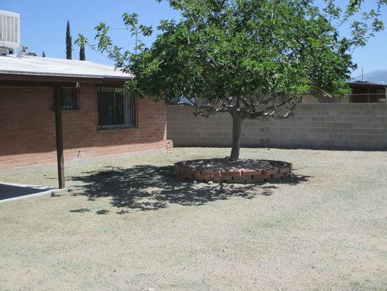 8580 E Pomegranate St, Tucson, AZ 85730