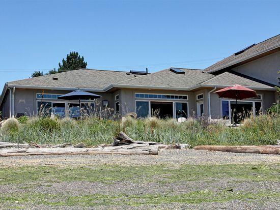 4572 Point White Dr NE, Bainbridge Island, WA 98110