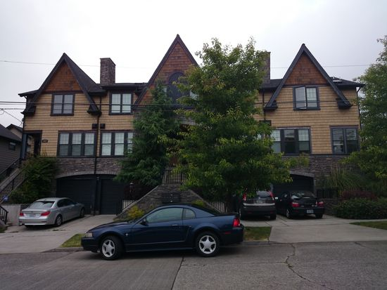 1922 N 46th St, Seattle, WA 98103