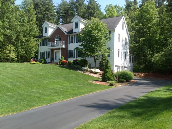 5 Carousel Ct, Londonderry, NH 03053