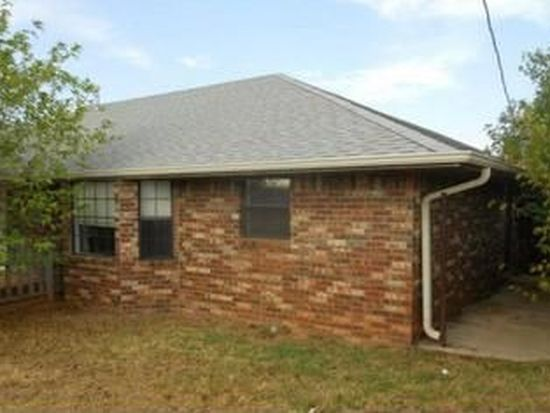 804 S 11th St, Marlow, OK 73055