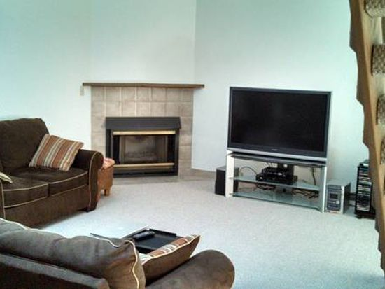 1S141 Spring Rd APT 206, Oakbrook Terrace, IL 60181