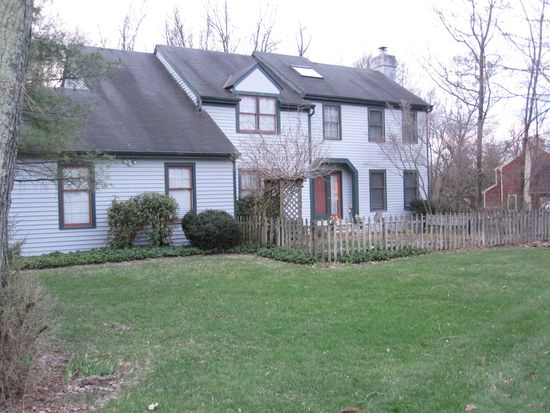 89 W Indian Springs Dr, Glenmoore, PA 19343