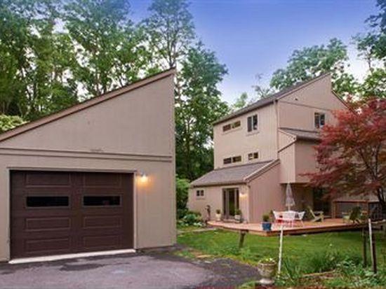 135 W Crestview Ave, Boalsburg, PA 16827