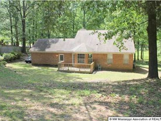 7460 Hickory Estates Dr, Walls, MS 38680