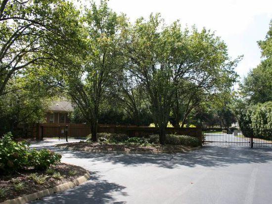 79 Forest Lake Dr, Simpsonville, SC 29681