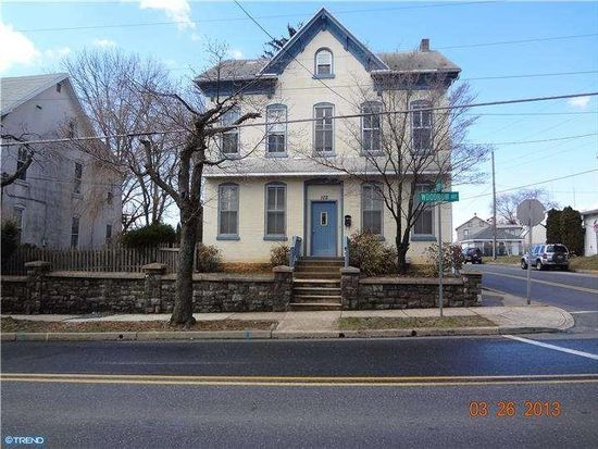 102 Woodrow Ave, Sinking Spring, PA 19608