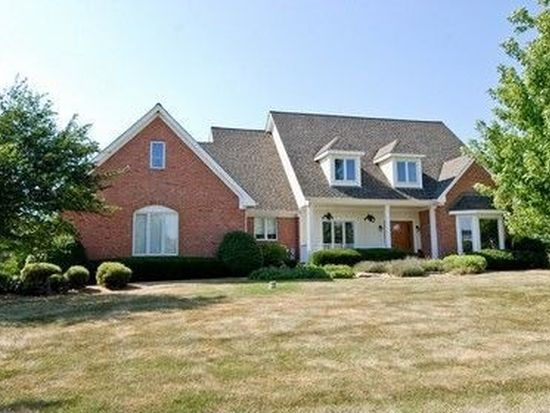 4N872 W Woods Dr, St Charles, IL 60175