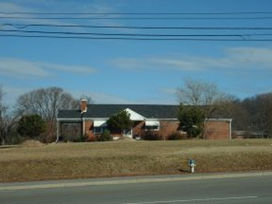 4108 N Roan St, Johnson City, TN 37601