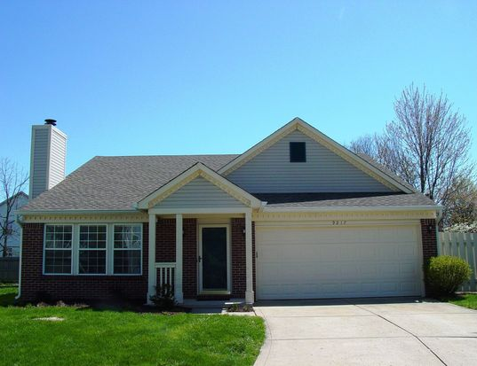 9217 Crossing Dr, Fishers, IN 46037