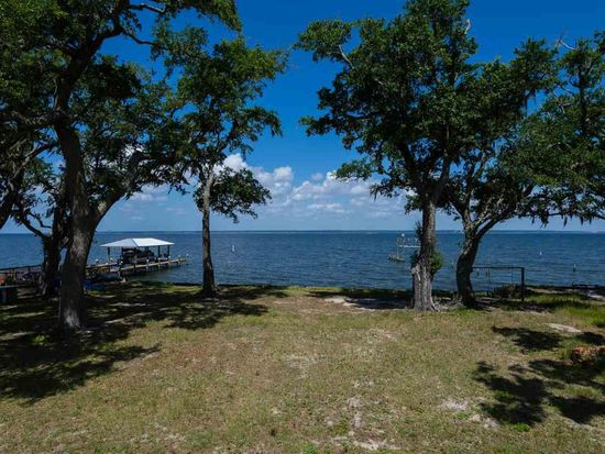 651 S Garcon Point Rd, Milton, FL 32583