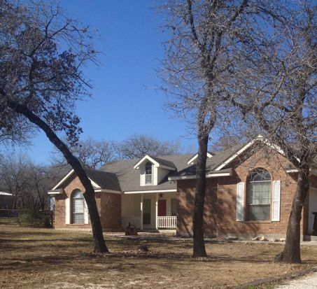 146 Pullman Rd, La Vernia, TX 78121