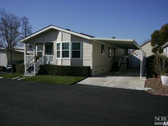 125 Candlewood Dr, Petaluma, CA 94954