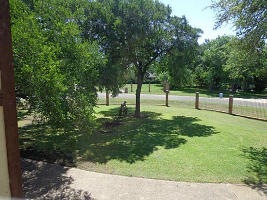 105 Woodhaven Ct, Red Oak, TX 75154