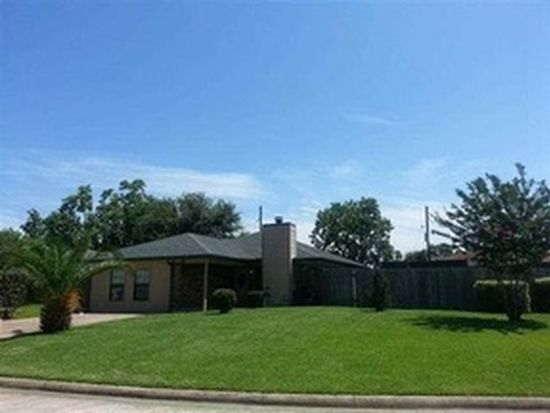 2245 Woodside Dr, Beaumont, TX 77707