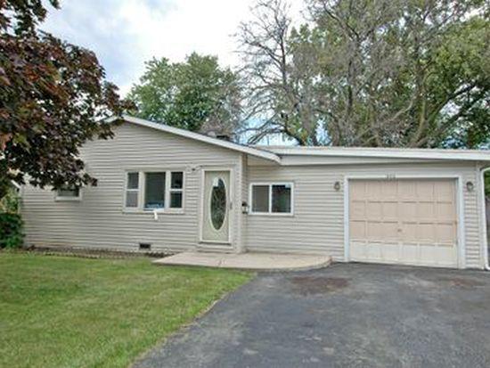 966 Berkley St, Carpentersville, IL 60110