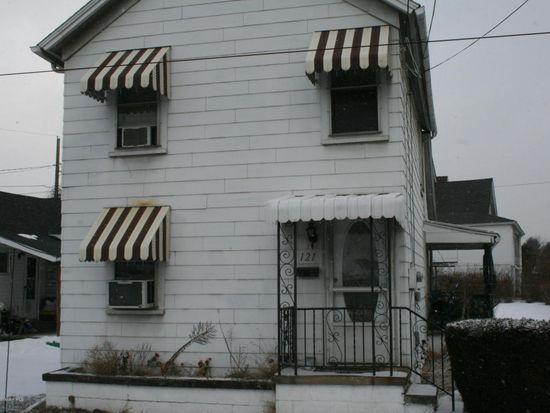 121 Pancoast St, Throop, PA 18512