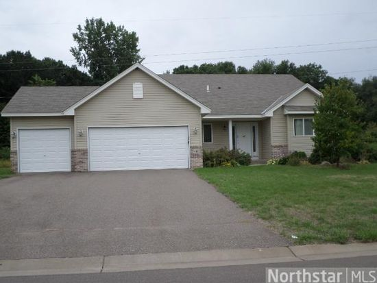 916 Kelly St, Lino Lakes, MN 55014