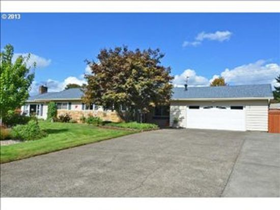 120 Randall Ct, Oregon City, OR 97045