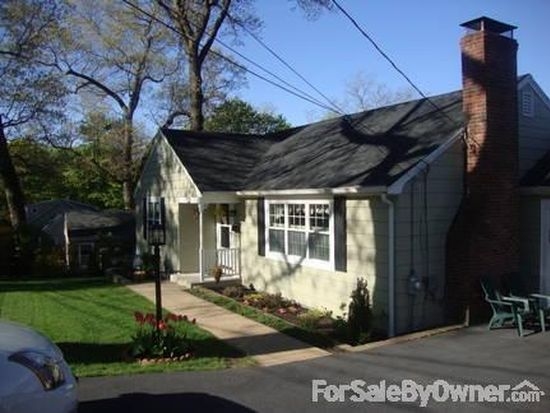 63 Outlook Rd, Wakefield, MA 01880