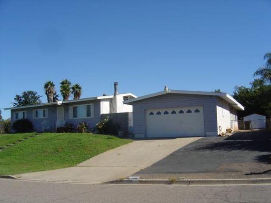 9559 Farmington Dr, Lakeside, CA 92040