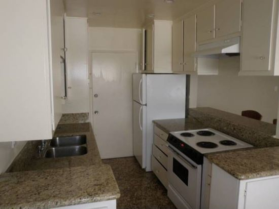 960 Larrabee St APT 108, W Hollywood, CA 90069