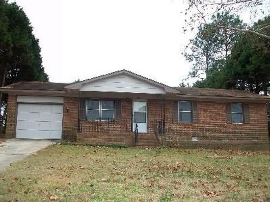 5035 Steed Rd, Fayetteville, NC 28306