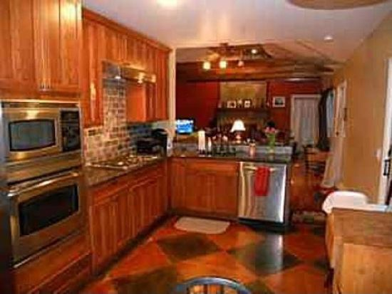 3812 Commodore Perry Hwy, South Kingstown, RI 02879