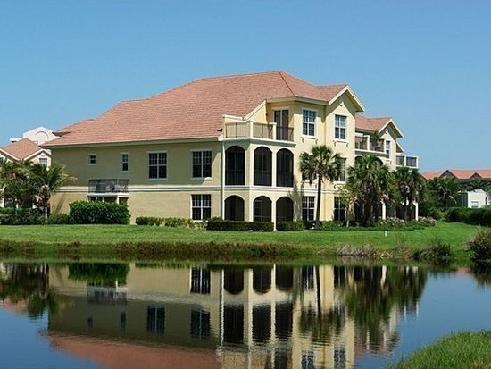 7533 Lake Valencia Ct, Fort Myers Beach, FL 33931