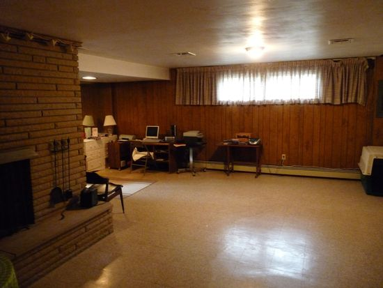 1044 Logan Rd, Bethel Park, PA 15102