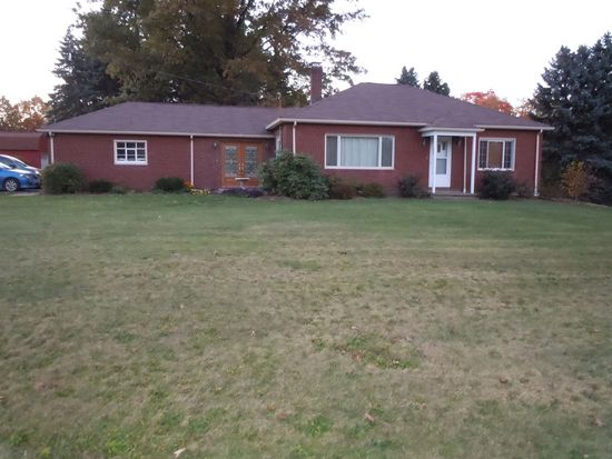 2069 State Route 170, East Palestine, OH 44413