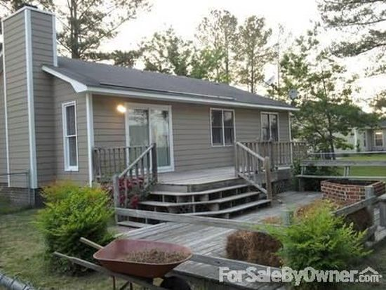 726 Foxchase Ln, Winterville, NC 28590